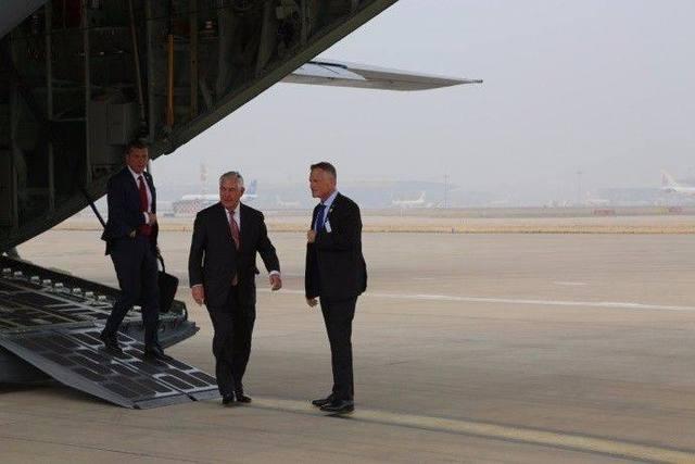 刚刚离京,排名第一的部长发了145字的声明