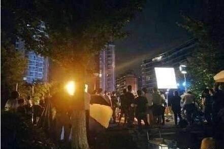 《爱情公寓》确定拍电影版,曾小贤胡一菲都来了,唯独只缺关谷