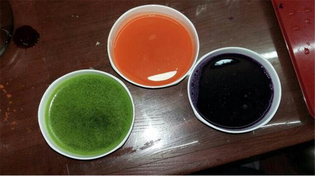 外面买的彩色面条,还不如自己在家做了,营养美味还很健康!