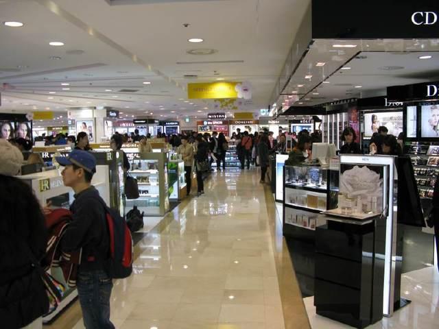 韩媒:中韩关系迎曙光 商家摩拳擦掌期待中国游客重返