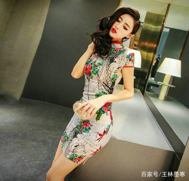 花相似,岁静好,唯美典雅旗袍,让温婉如玉的女子,散发阵阵清香