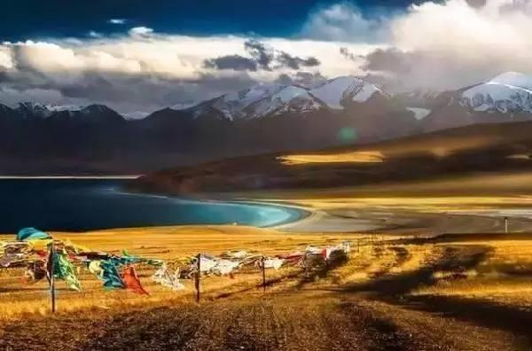 西藏拍婚纱照选择什么方式去西藏比较好