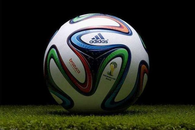 世界杯上踢的足球,和普通足球有什么不一样