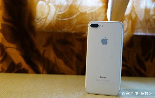 现在想买手机苹果,哪一款的iphone性价比更高江门市华为手机官网专卖店图片