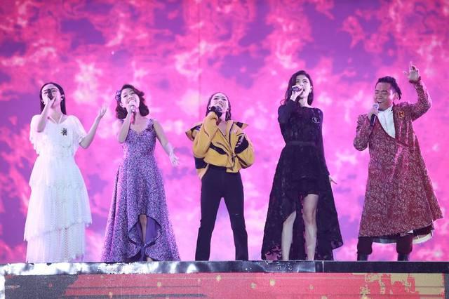 《中国新歌声》总决赛:周杰伦猜中了冠军,可惜不是他的学员!