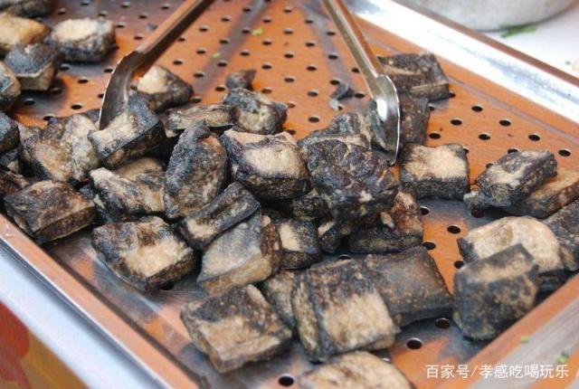 孝感人做的臭豆腐,闻起来臭吃起来