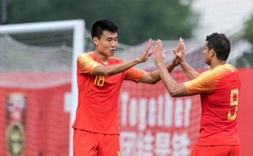 突发!中国足球再遭重创:两大王牌彻底无缘入选国足,进世界杯悬了