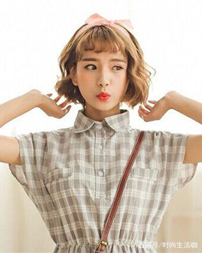 时尚看点:小清新风味的一款短发烫发发型,洋溢出十足的韩式潮女范儿图片
