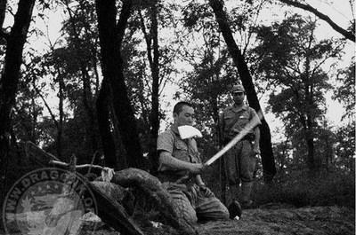 日军战败后,美国将军问天皇:你为何不剖腹?裕
