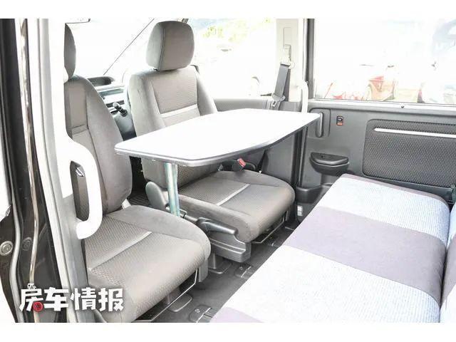 本田MPV变身床车,配1.5T动力带四驱,上下两张大床睡觉真舒服-有驾