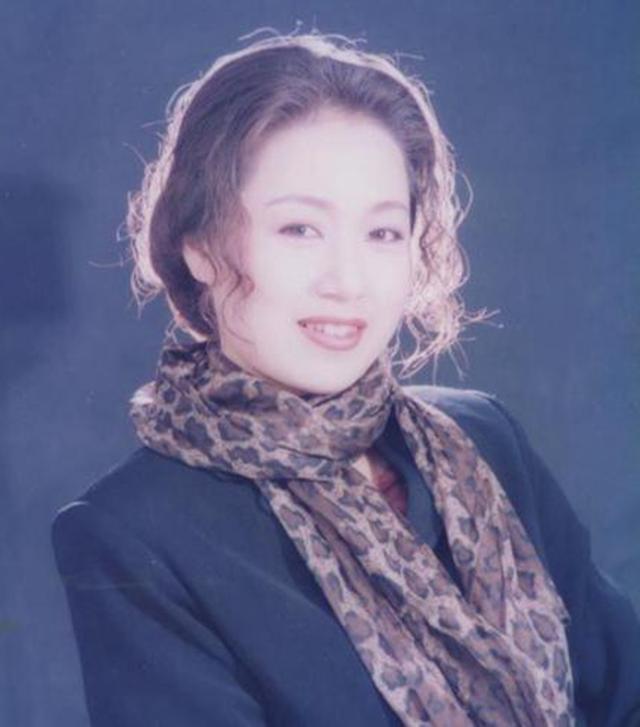 马兰照片 吴琼第一任丈夫