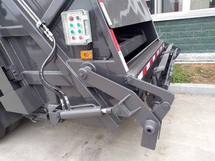 国六江铃新顺达6方压缩式垃圾车