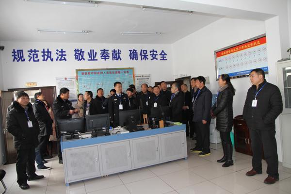 """新县警方邀请各界代表进警营""""零距离""""感受公安工作"""
