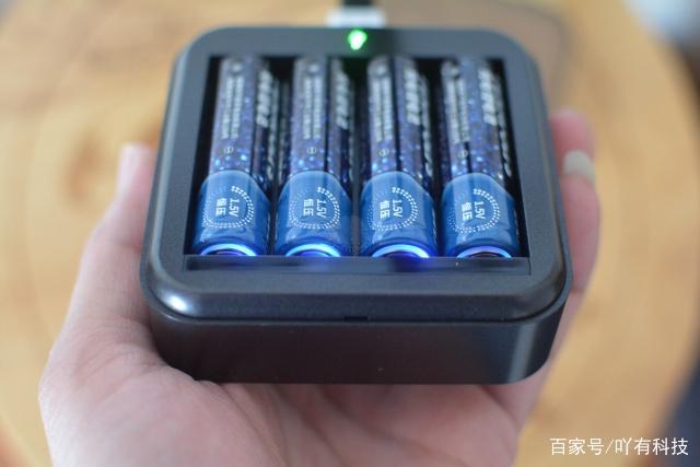 5号充电电池 5号锂电池和镍氢电池哪个好